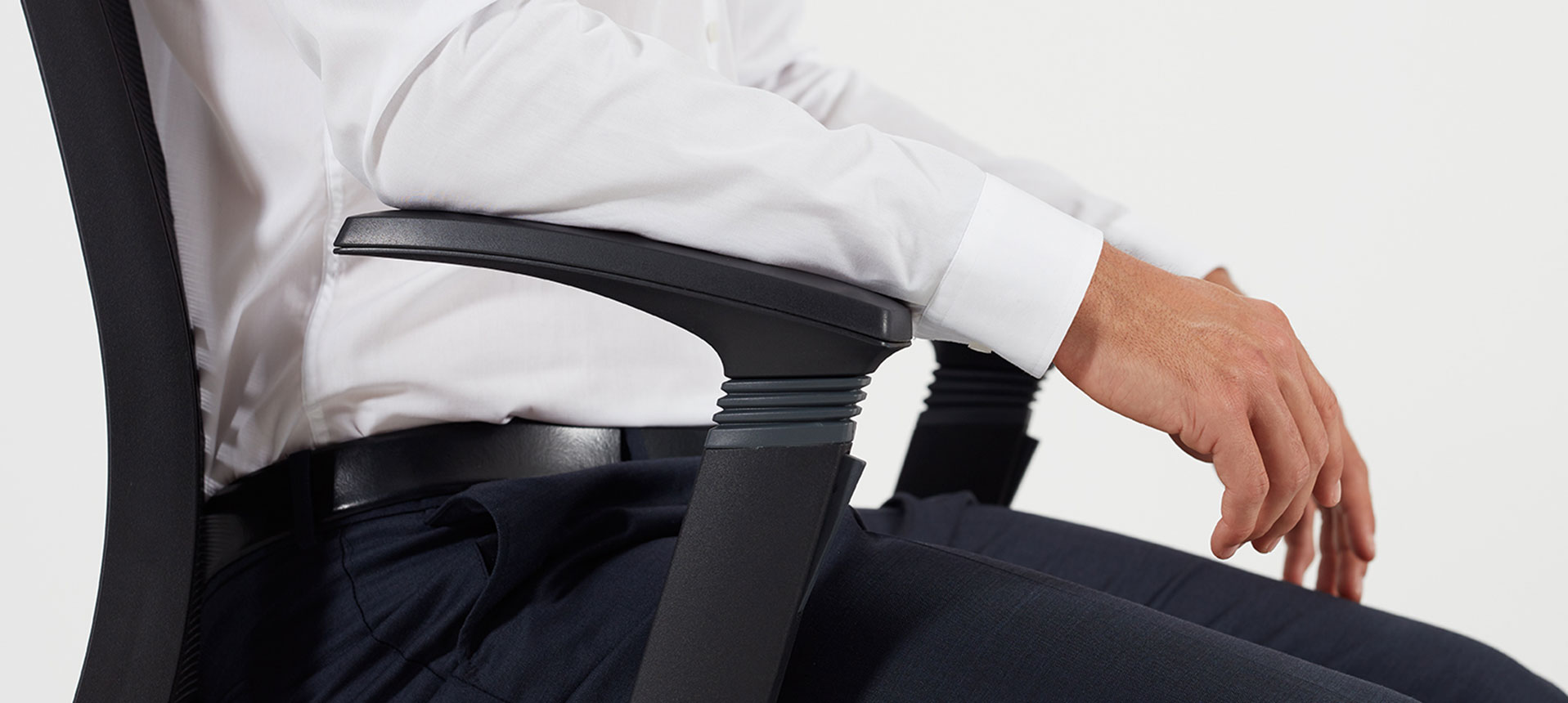 The Innovation Of Auto Flow Supportive Armrests For An Optimum Office Chair