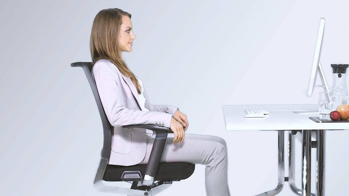 Sedie Da Ufficio Per Postura Corretta : Salute in ufficio stare seduti correttamente è una questione di